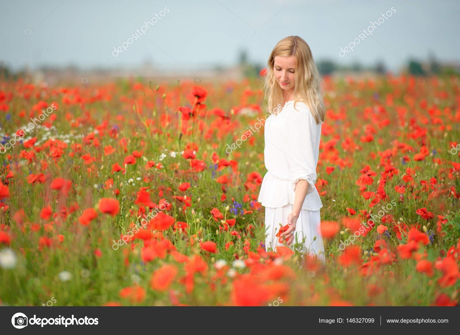 Formal Schön Weißes Kleid Mit Roten Blumen VertriebAbend Kreativ Weißes Kleid Mit Roten Blumen Boutique