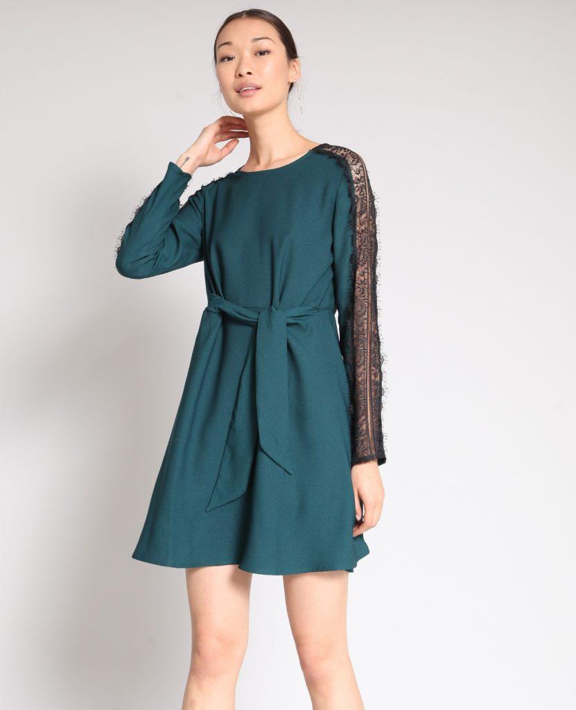 grünes kleid mit spitze 513b78