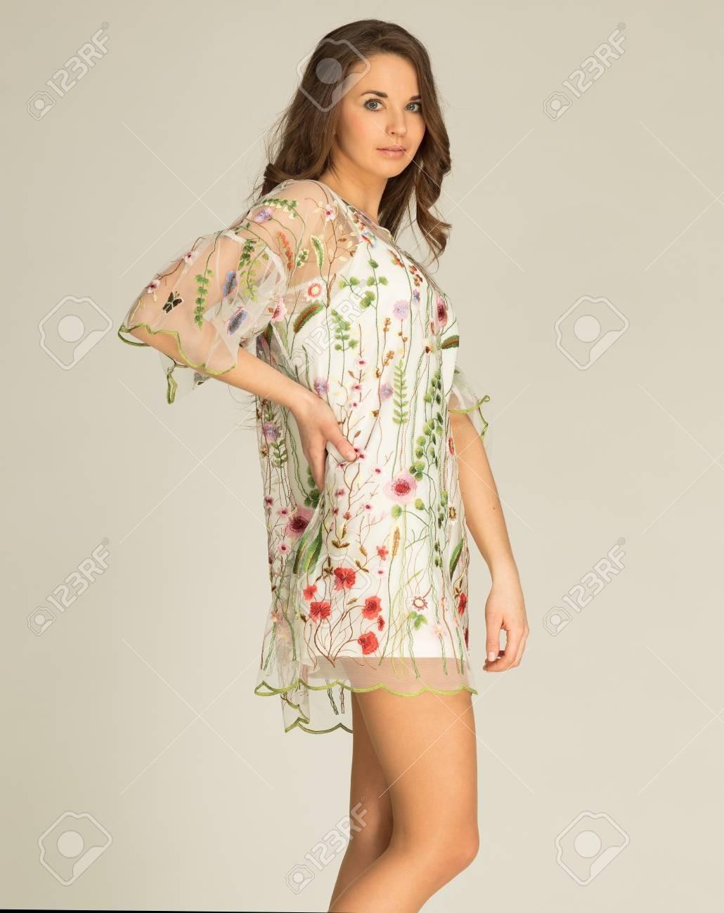 Formal Einzigartig Weißes Kleid Mit Blumen Vertrieb15 Schön Weißes Kleid Mit Blumen Vertrieb