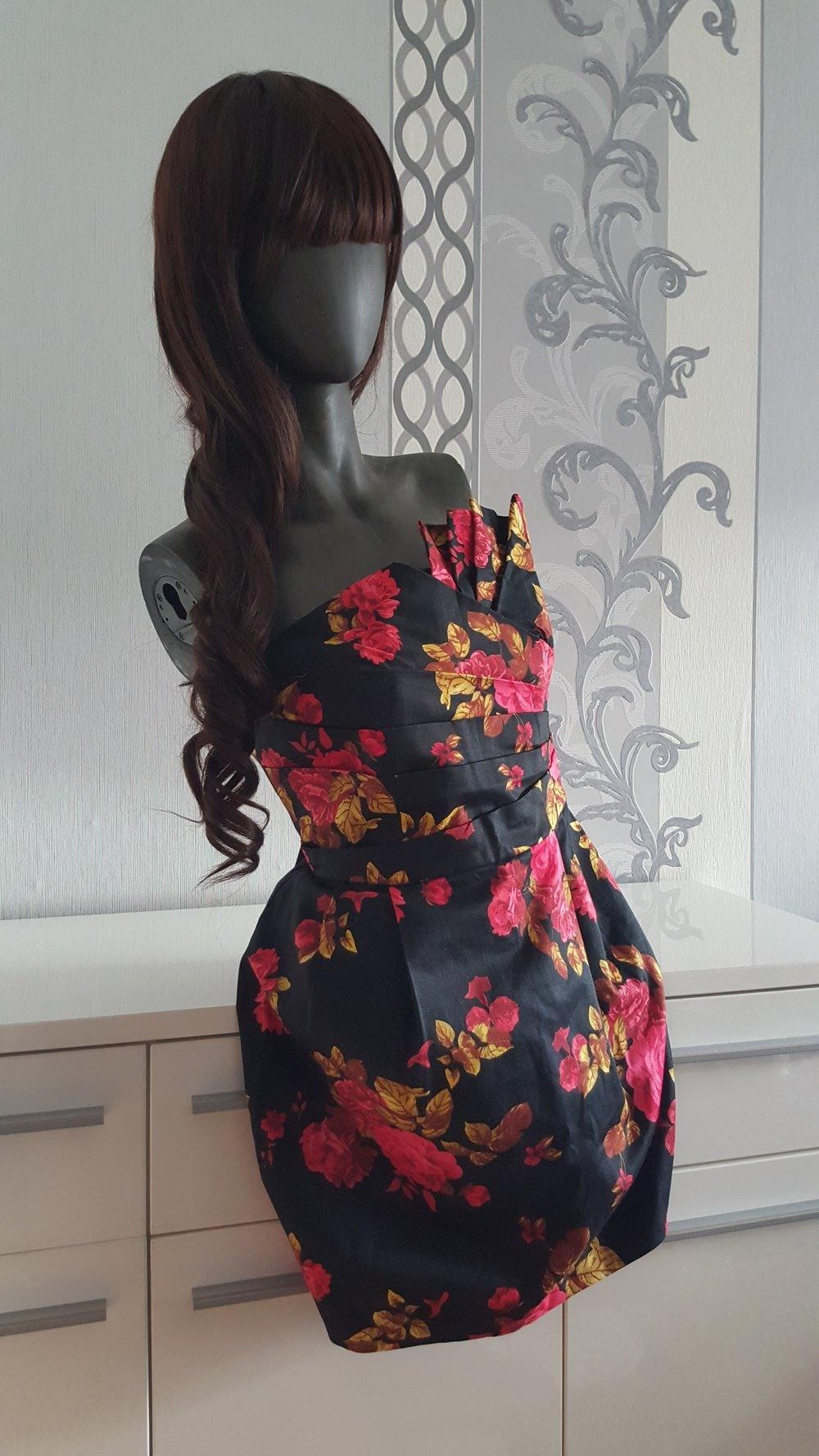 Perfekt Kleid Schwarz Rot BoutiqueFormal Kreativ Kleid Schwarz Rot Design