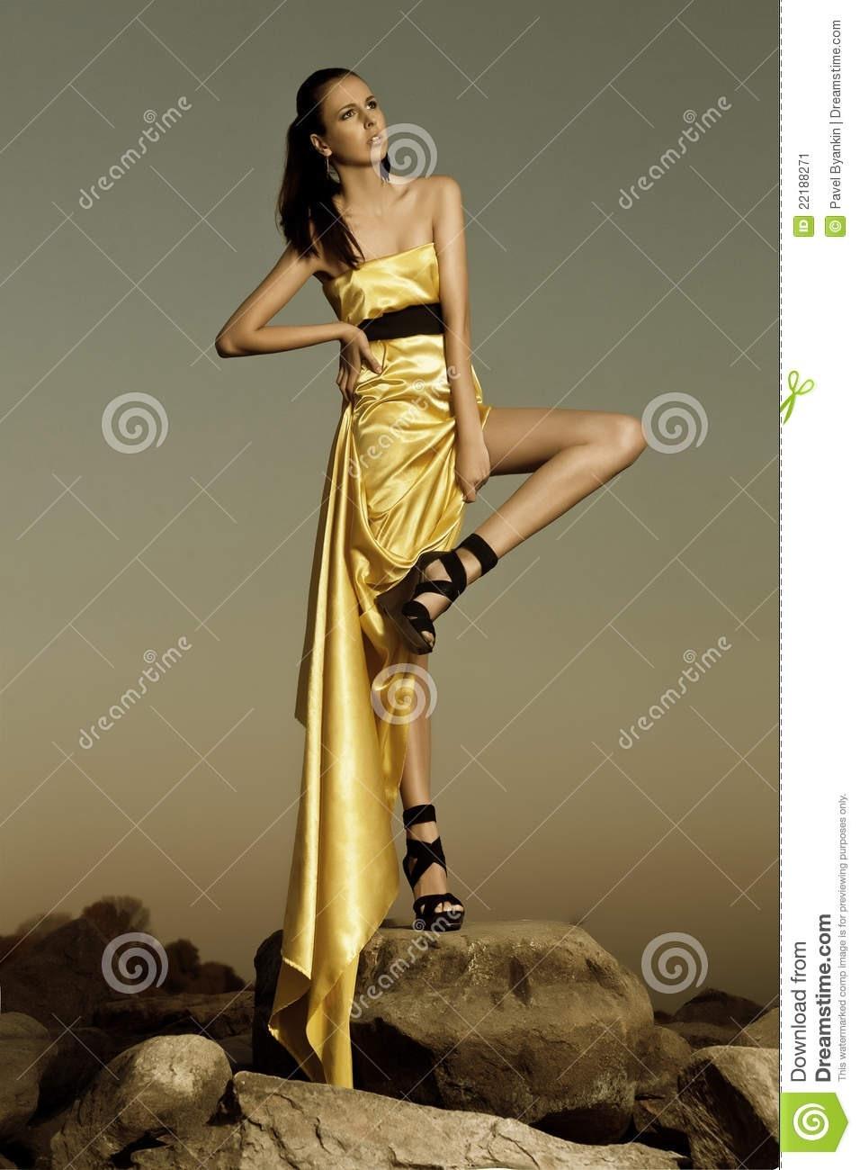 Abend Perfekt Frau Im Abendkleid SpezialgebietFormal Elegant Frau Im Abendkleid Bester Preis