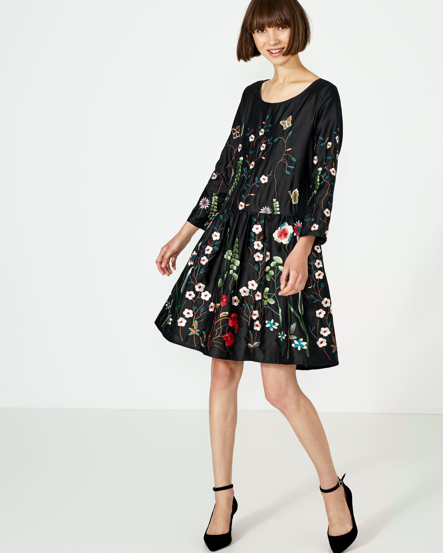 Designer Schön Weit Geschnittene Kleider Galerie13 Schön Weit Geschnittene Kleider Spezialgebiet