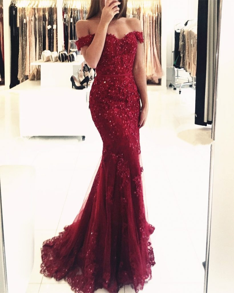 Schön Abendkleid Rot Lang Spitze Ärmel - Abendkleid
