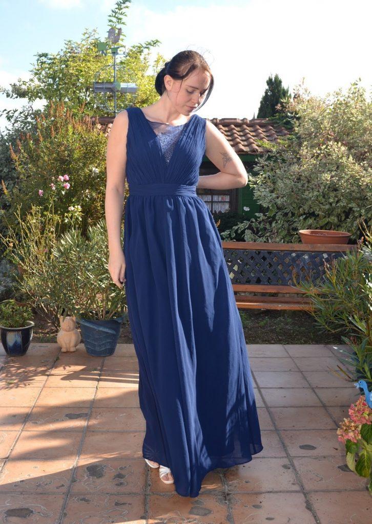 Blaues langes kleid kombinieren