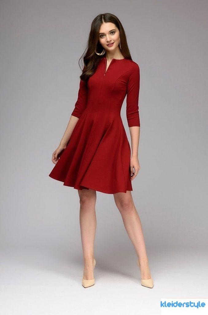 Rotes kleid auf hochzeit