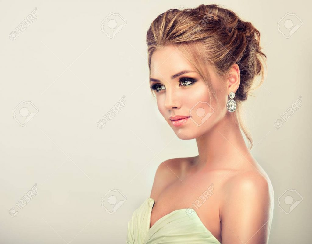 10 Cool Abendkleid Frisur Design - Abendkleid