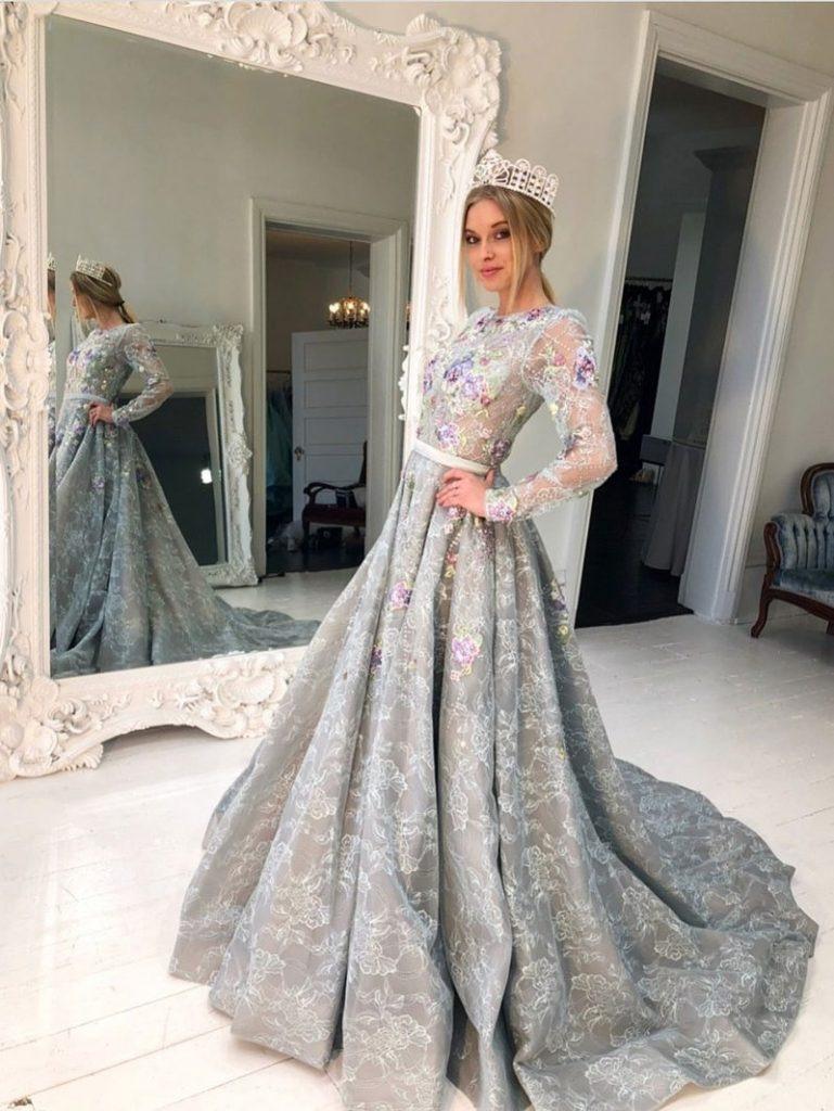Schön Designer Abendkleid GalerieFormal Luxurius Designer Abendkleid Spezialgebiet