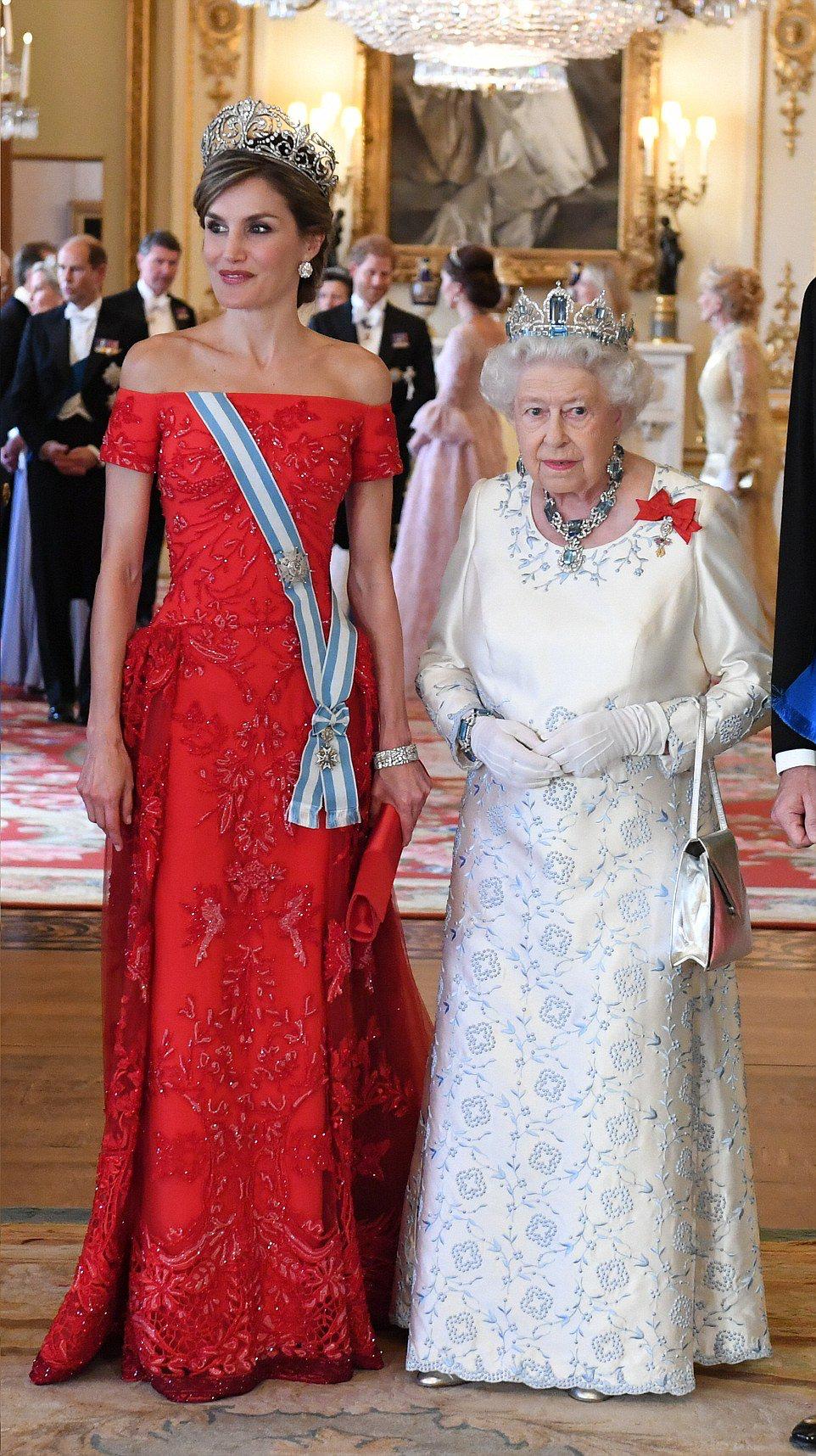 10 Kreativ Abendkleider Queen Elizabeth für 2019 Genial Abendkleider Queen Elizabeth Stylish