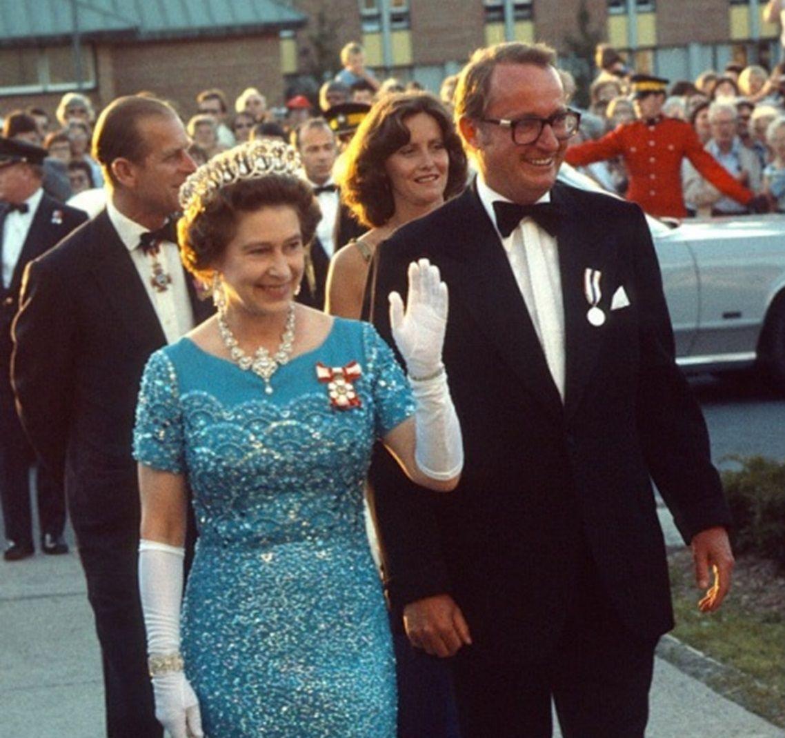 20 Genial Abendkleider Queen Elizabeth Stylish17 Coolste Abendkleider Queen Elizabeth Ärmel