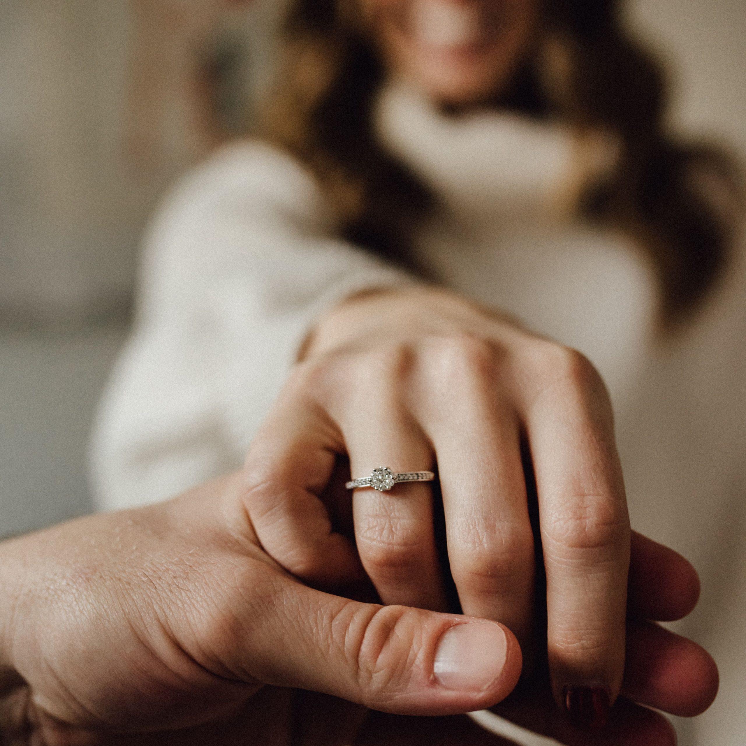 Ein Ring Wie Aus Dem Märchen. Christ Diamonds Damenring Mit