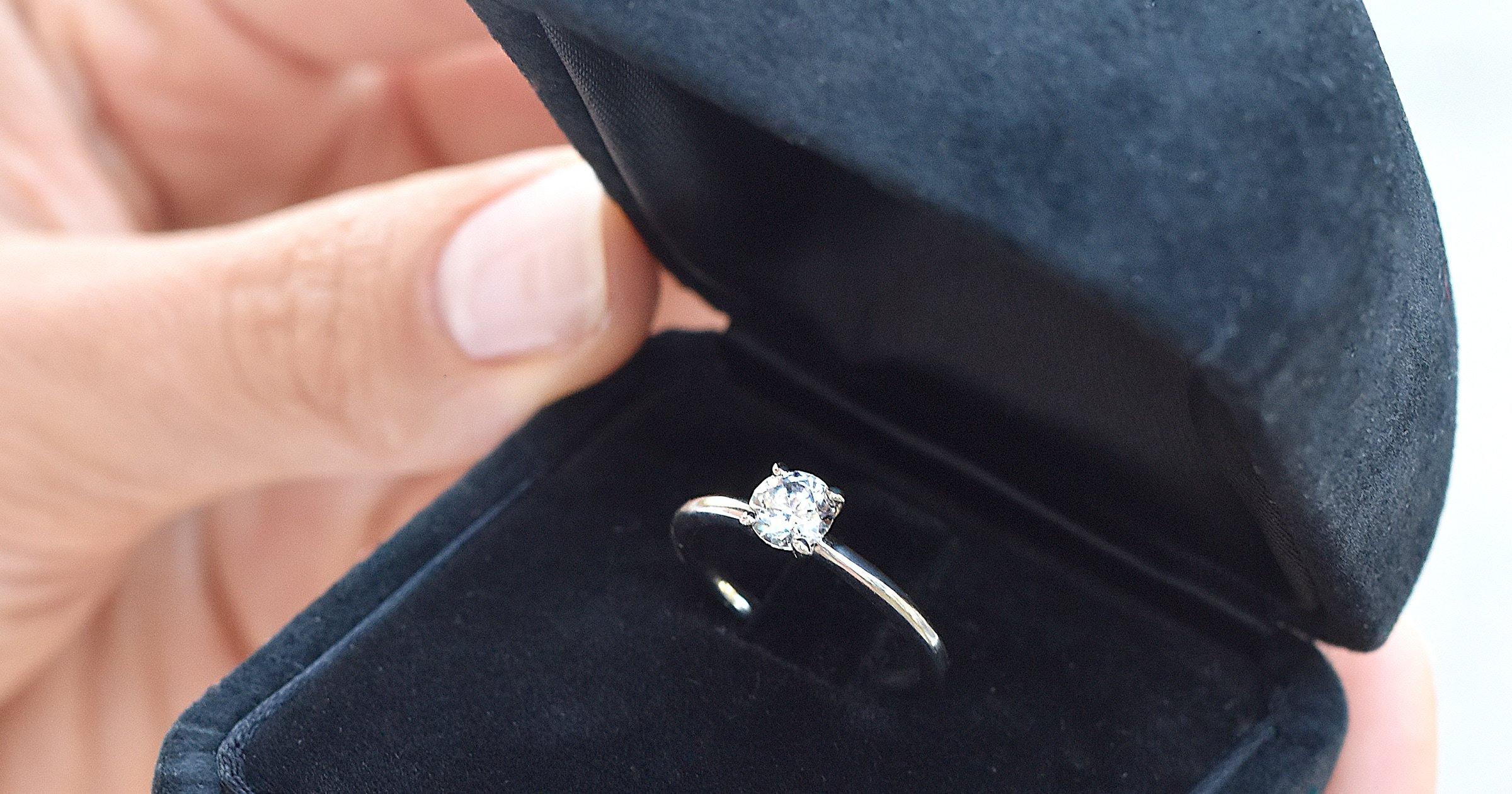 Juwelier.at Verlobungsringe Diamant & Saphir: Platin, Silber