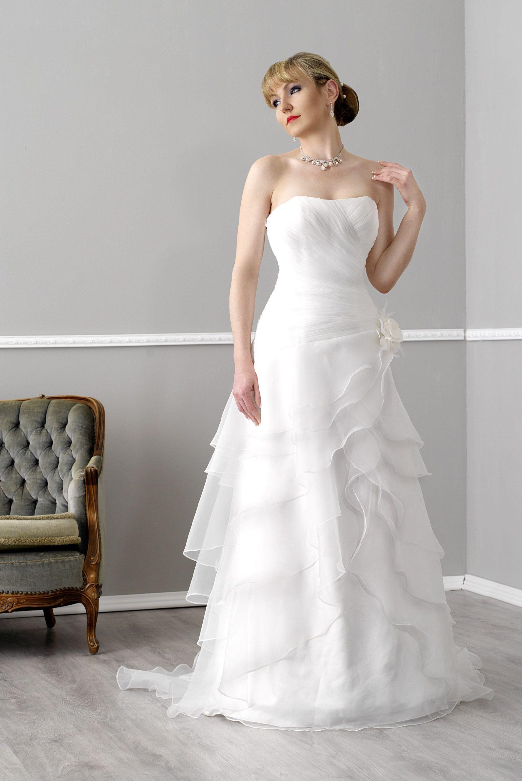 Belana | Brautkleid, Braut, Kleider