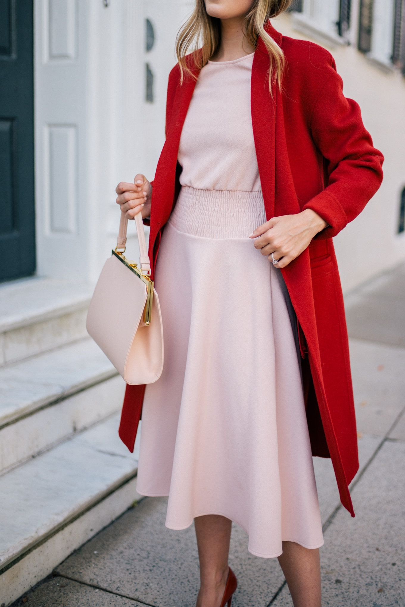 Blush Pink Dress & Red Coat   Mode, Mantel Rot Und Kleidung