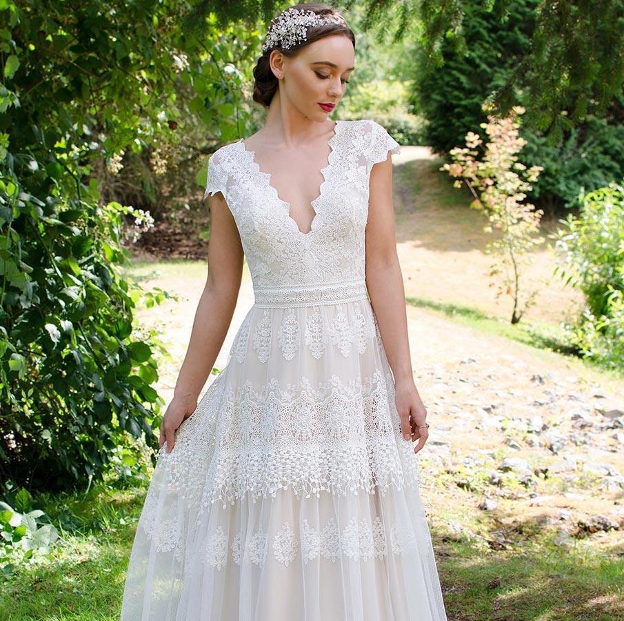 Böhmisches Brautkleid Mit Viel Spitze