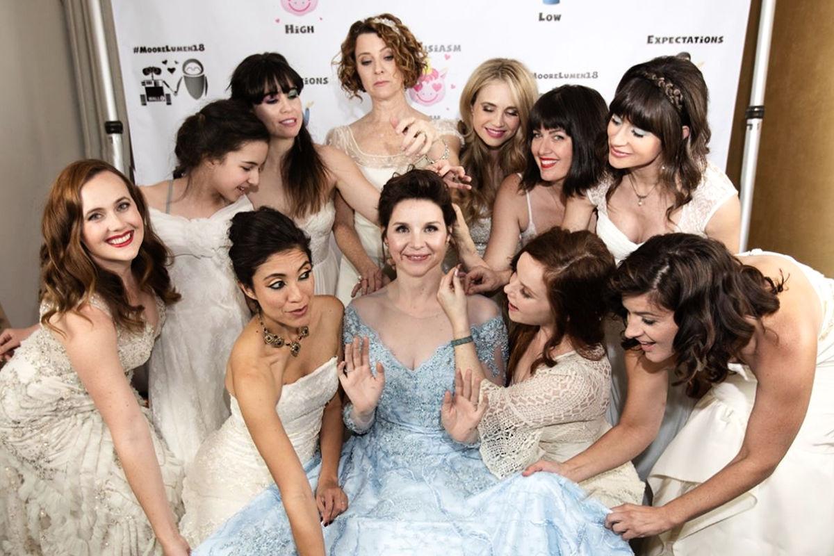Braut Bat Freundinnen, Hochzeitskleider Zu Tragen - Glamour
