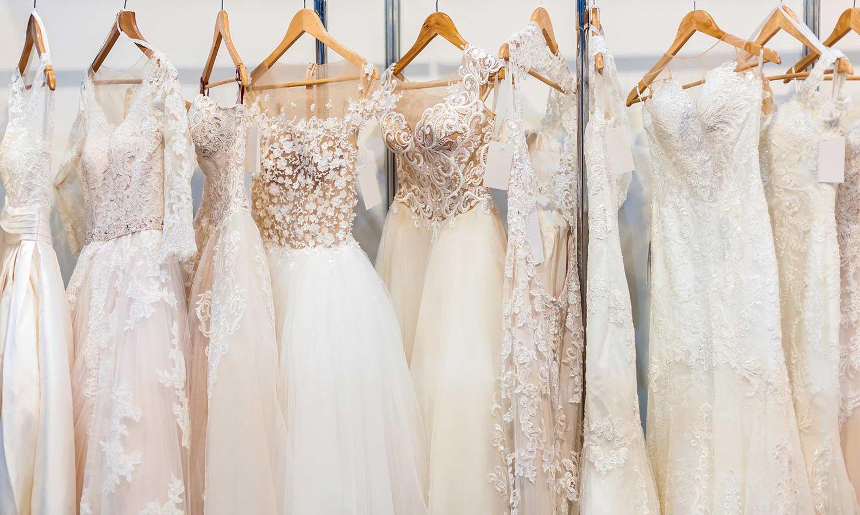 Brautkleid In Elfenbein - Dezenter Farbton Mit Eleganter