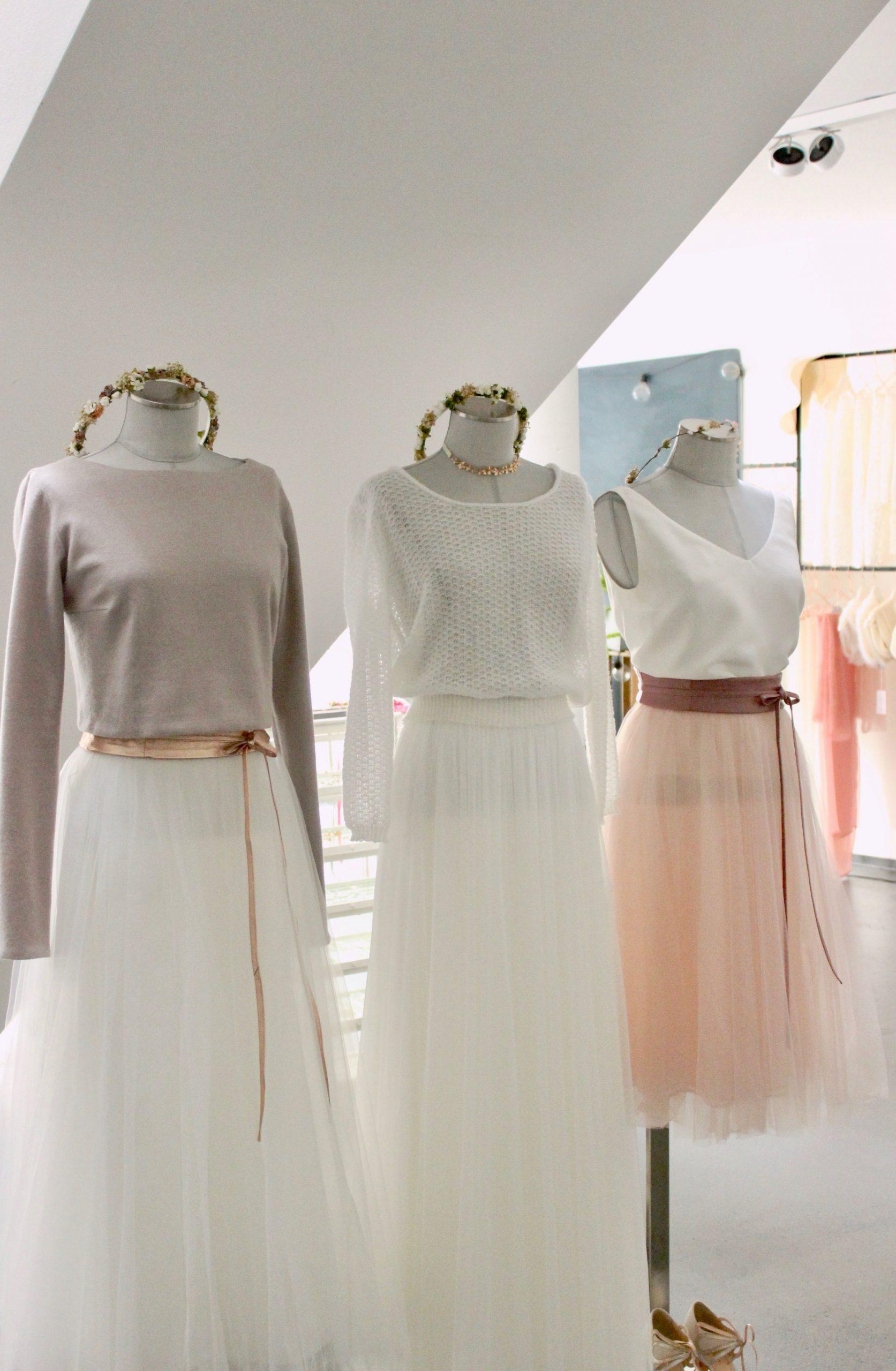 Brautkleid Und Accessoires Fuer Die Hochzeit Im Herbst