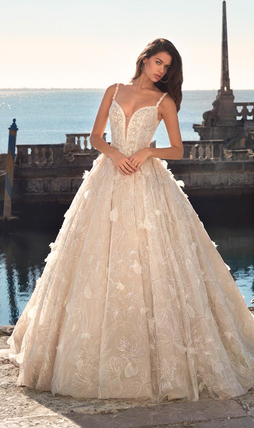 Brautkleider: Demetrios, Platinum Und Destination Kollektionen