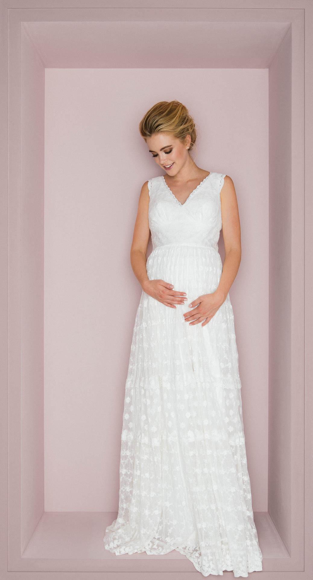 Brautkleider Für Schwangere Bei Kuessdiebraut Erleben