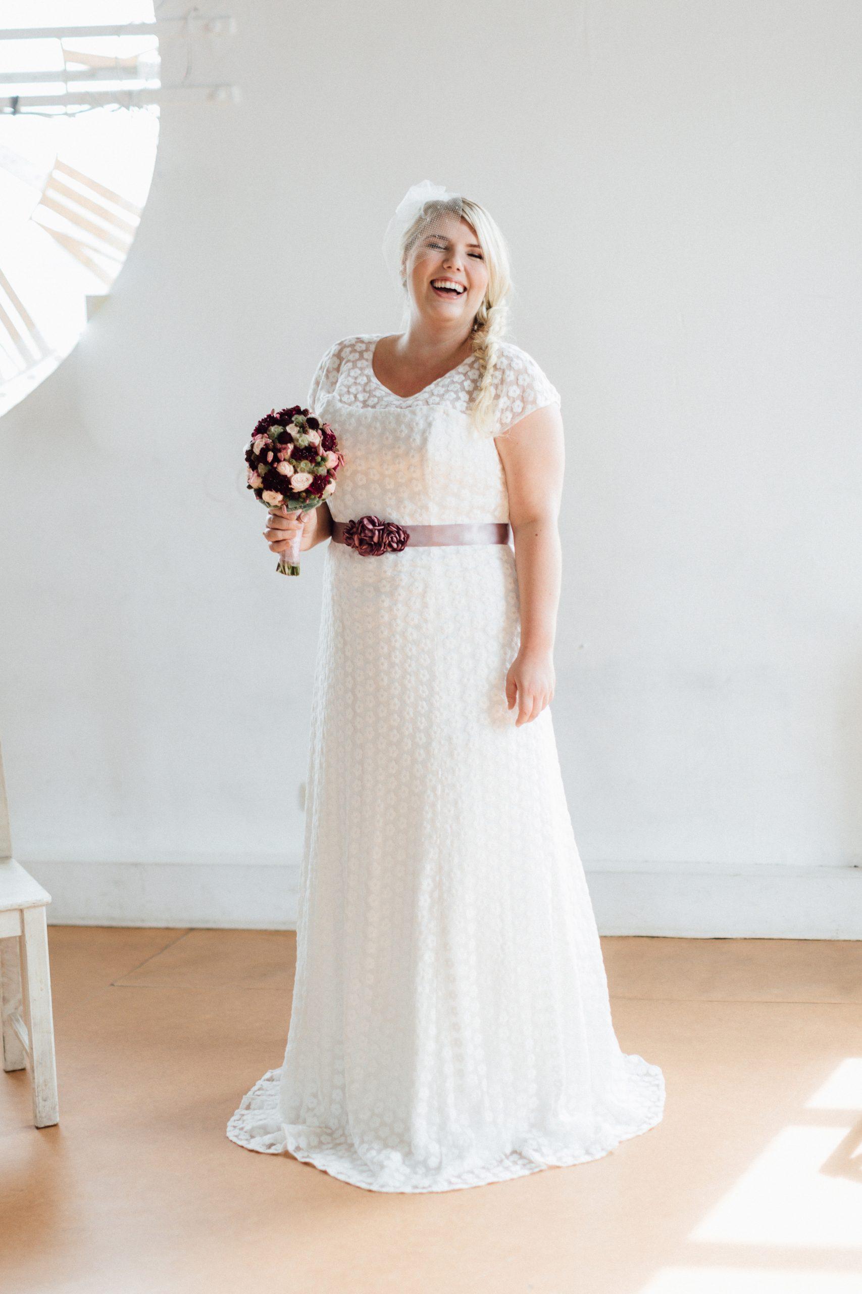 Brautkleider In Großen Größen Für Plus Size Bräute