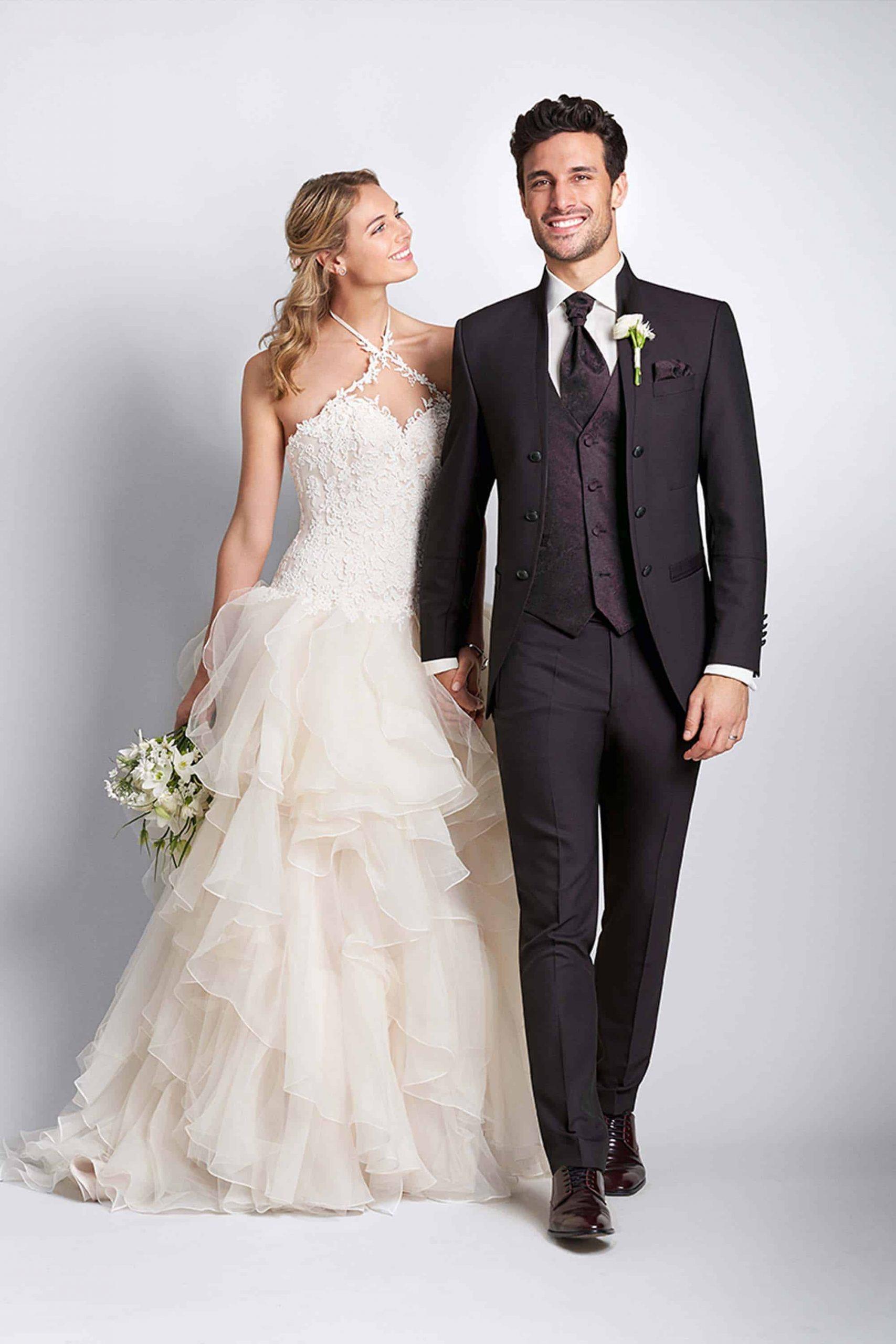 Brautmode Nürnberg - Brautkleider & Hochzeitskleider | Team