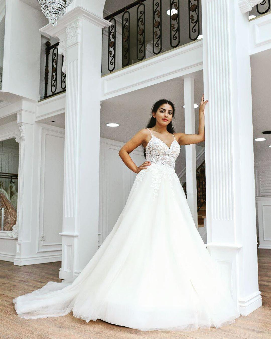 Brautmode #weddingdress #hochzeit #duisburg #brautkleid