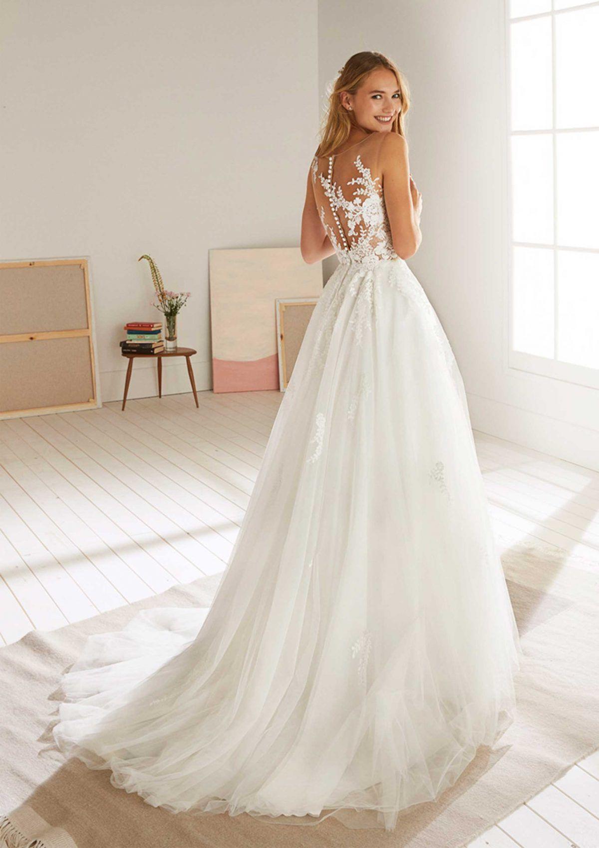Brautmode White One | Brautmode, Brautkleid Und Hochzeitskleid