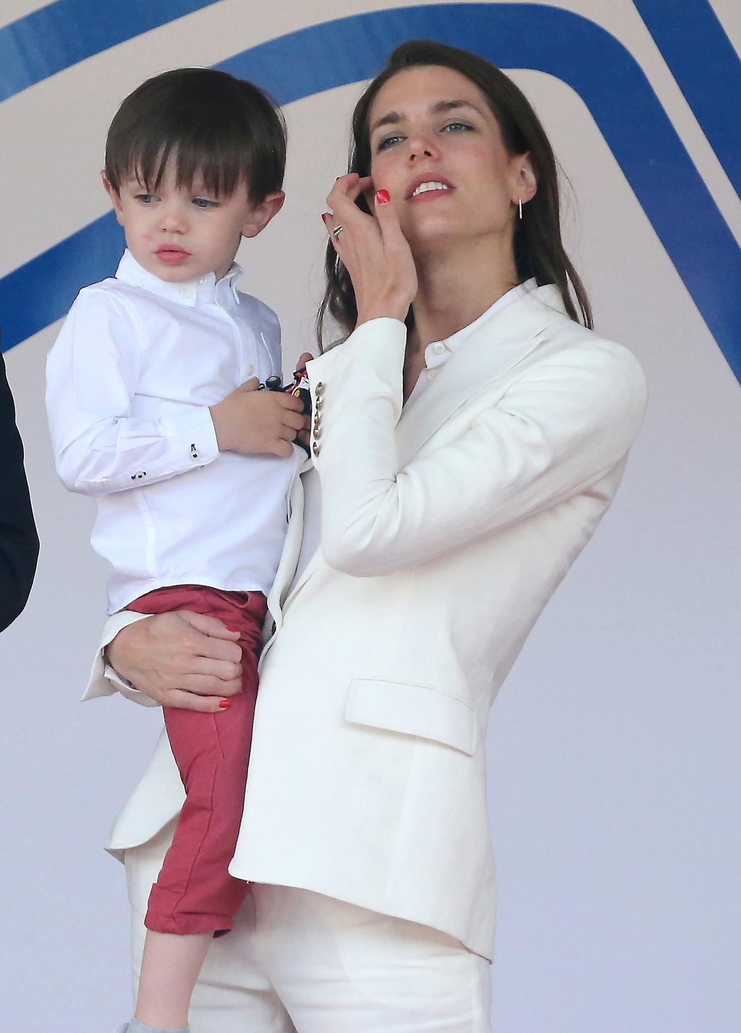 Charlotte Casiraghi: Seltener Auftritt Mit Sohn Raphael