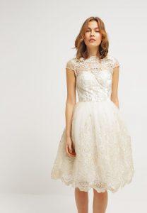 Chi Chi London Sukienka Koktajlowa - White/gold Za 379 Zł
