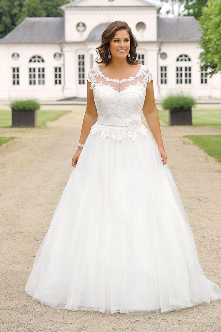 Curvy Bride; Bride; Wedding; Wedding Dress; Wedding Dress