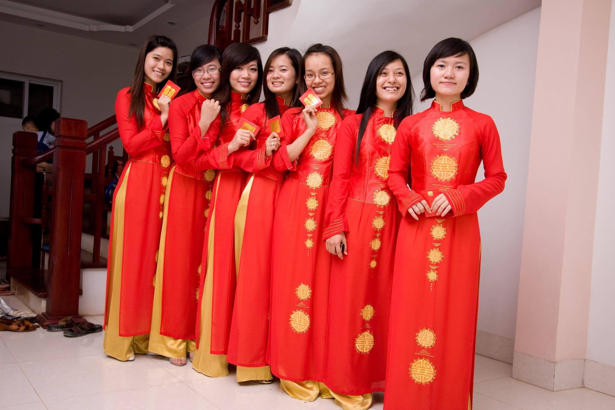 Das Ao Dai – Traditionelles Kleidungstück Vietnams
