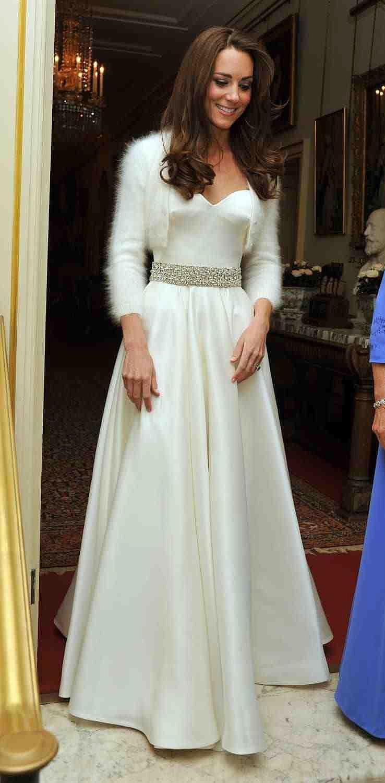 Das Zweite Hochzeitskleid Von Kate, Das Jeder Vergessen Hat