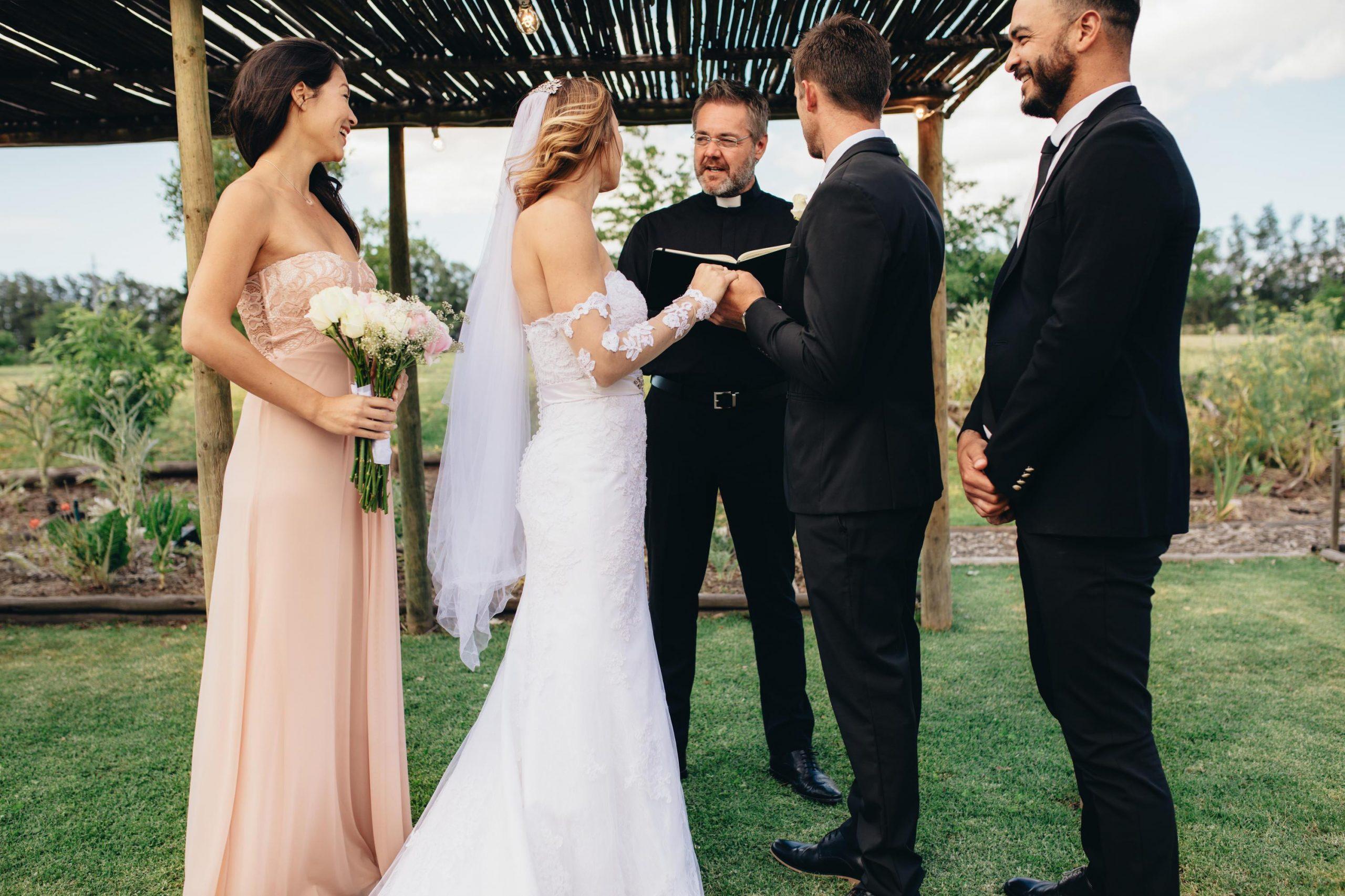 Die Hochzeit Steht An: Das Passende Outfit Als Trauzeugin