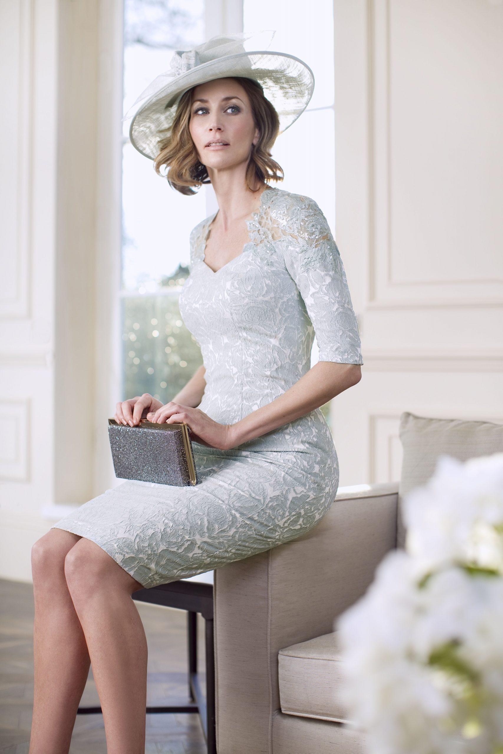 Eisblaues Kleid Für Die Brautmutter – Von John Charles