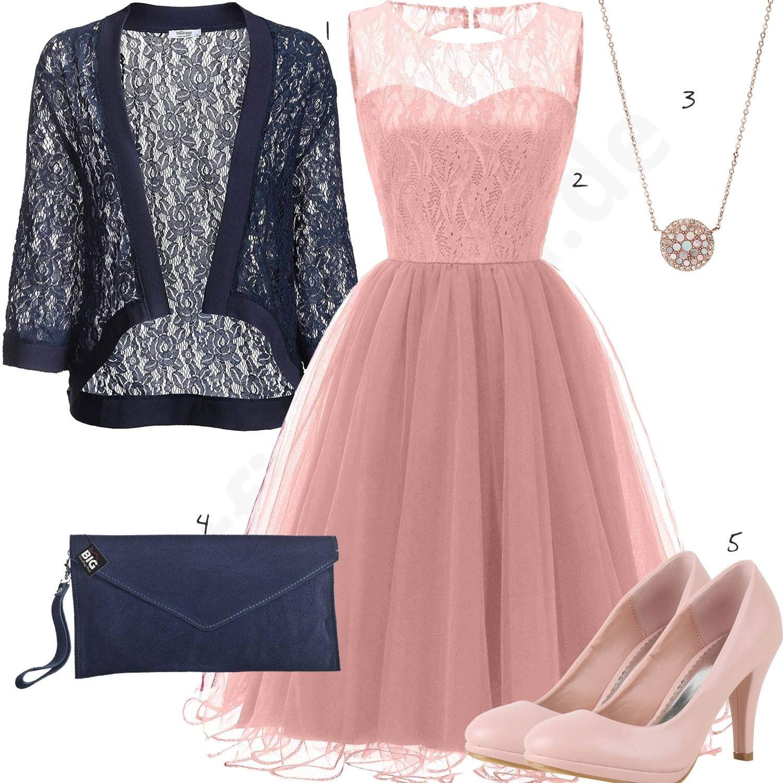 Frauenoutfit Mit Rosa Kleid, Pumps Und Anhänger | Outfit