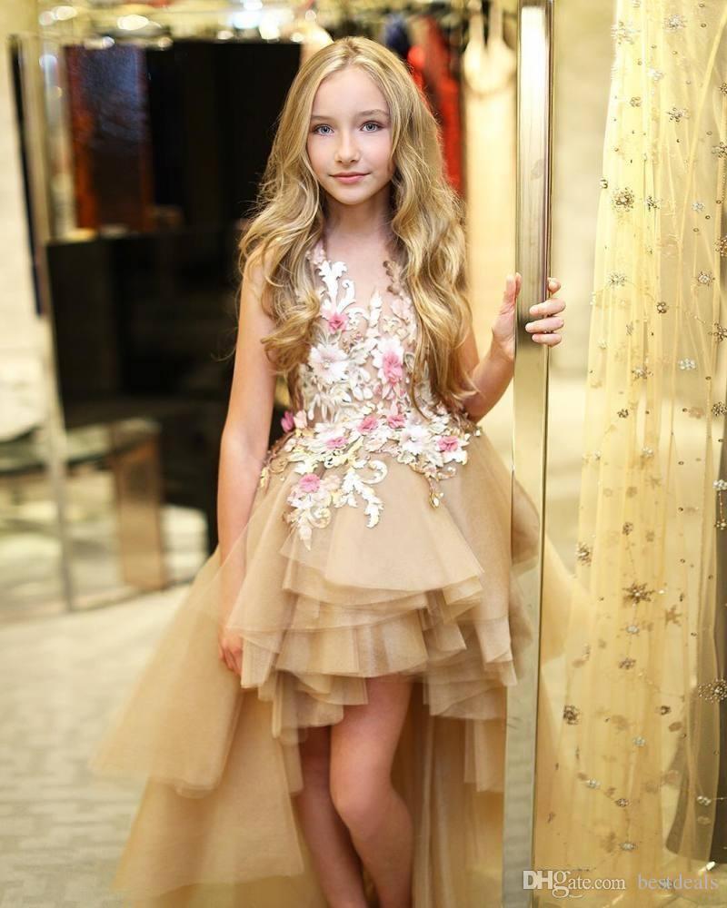 Großhandel 2019 High Low Tiered Blumenmädchenkleider Für Hochzeiten Kleine  Mädchen Pageant Kleid Für Jugendliche 3D Blume Appliqued Tüll Kommunion