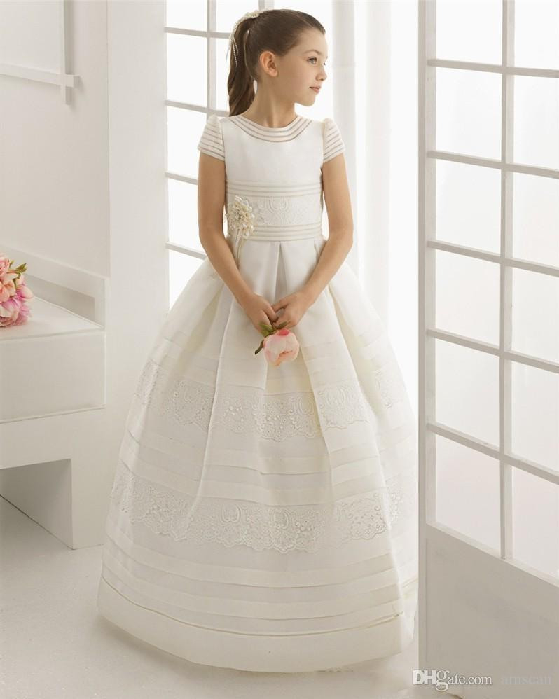 Großhandel Blumenmädchen Kleid Für Hochzeit Kurzen Ärmeln Erstkommunion  Kleider Heilige Kommunion Kleid Pageant Kleid Mädchen Birthday Party