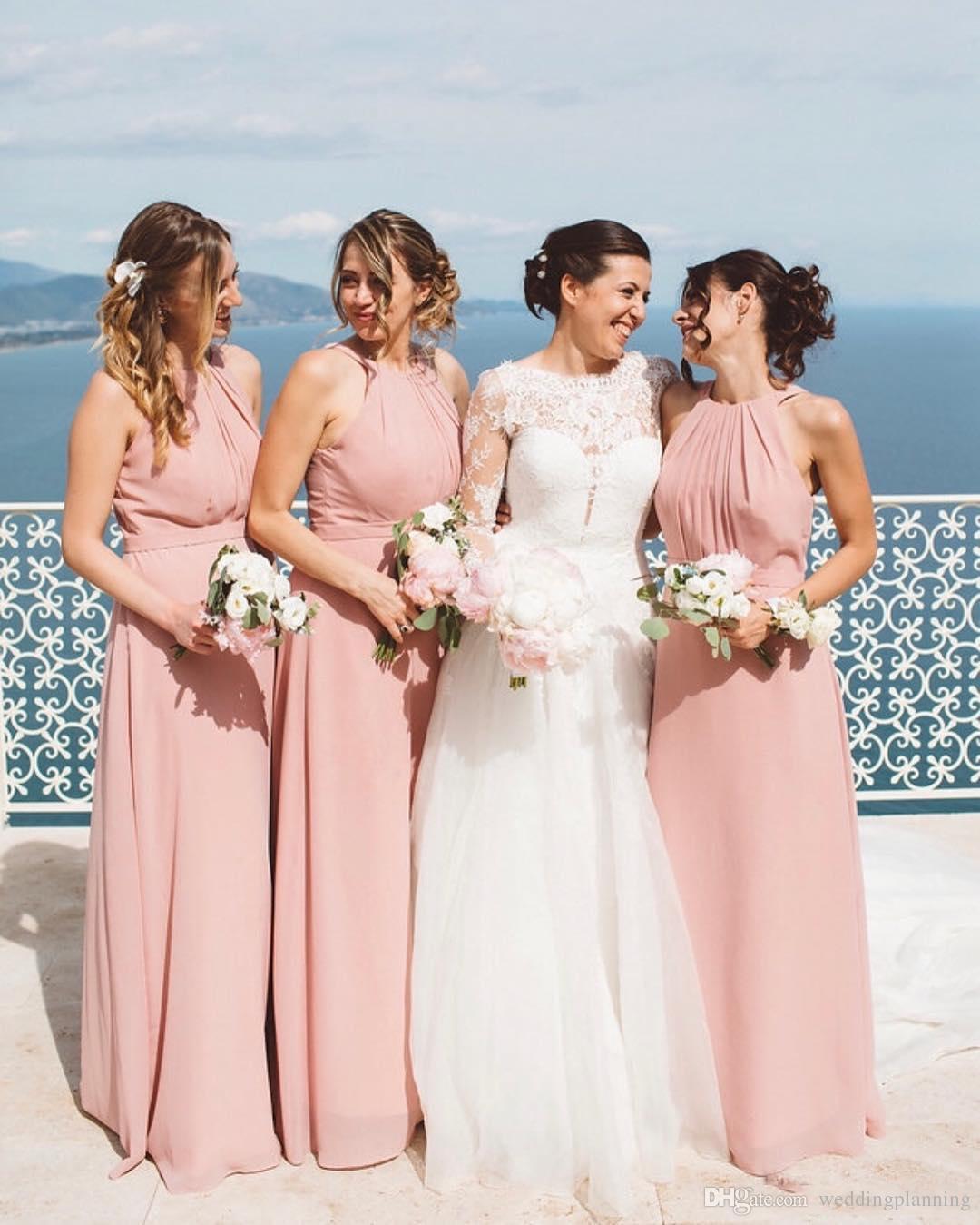 Großhandel Einfache Chiffon Lange Brautjungfernkleider Mantel Neckholder  Plissee Formelle Party Hochzeitsgast Kleid Trauzeugin Kleider Sommer Strand