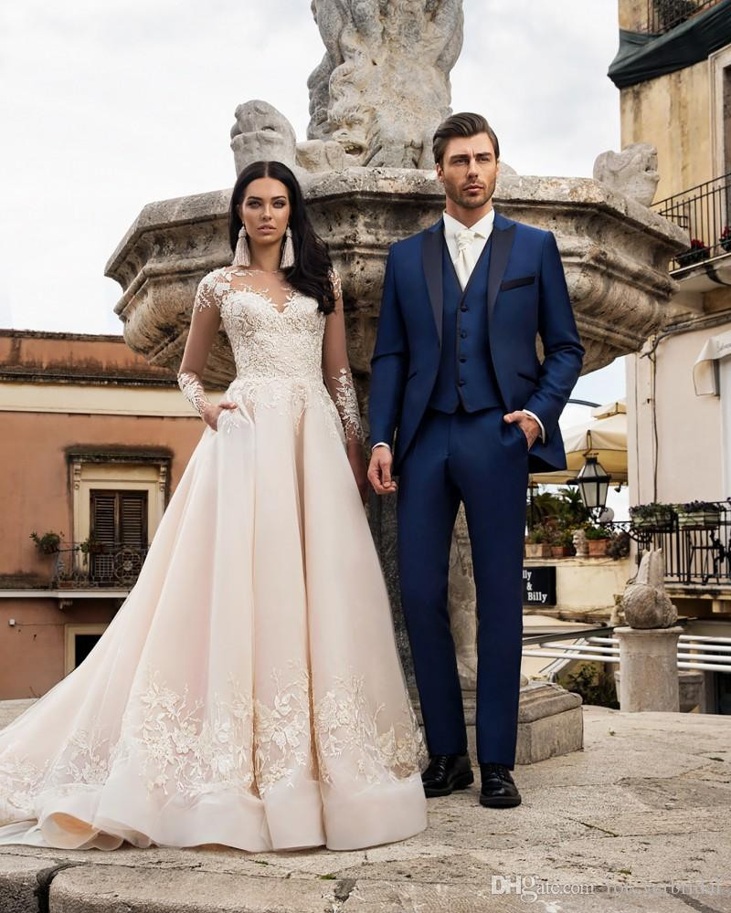 Großhandel Elegantes Design Männer Hochzeit Party Kleidung Royal Blue  Erreichte Revers Drei Stücke Blazer + Hose + Weste Bräutigam Passt Business