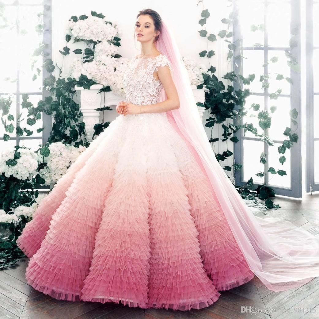 Großhandel Farbverlauf Pink Lavendel Ballkleid Brautkleid Juwel Hals Kurzen  Ärmeln Floral Applique Brautkleid Charming Tiered Fluffy Brautkleider Von