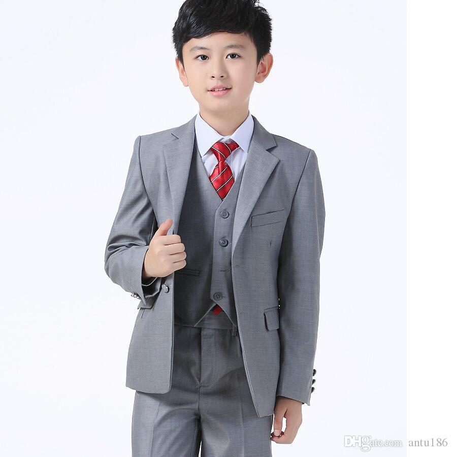 Großhandel Kinder Anzüge Für Hochzeit Jungen Kleidung Maßgeschneiderte  Anzug Grau Hochzeitsanzug Jacke + Pants + Weste Mode Zeigen Dünne  Dreiteilige