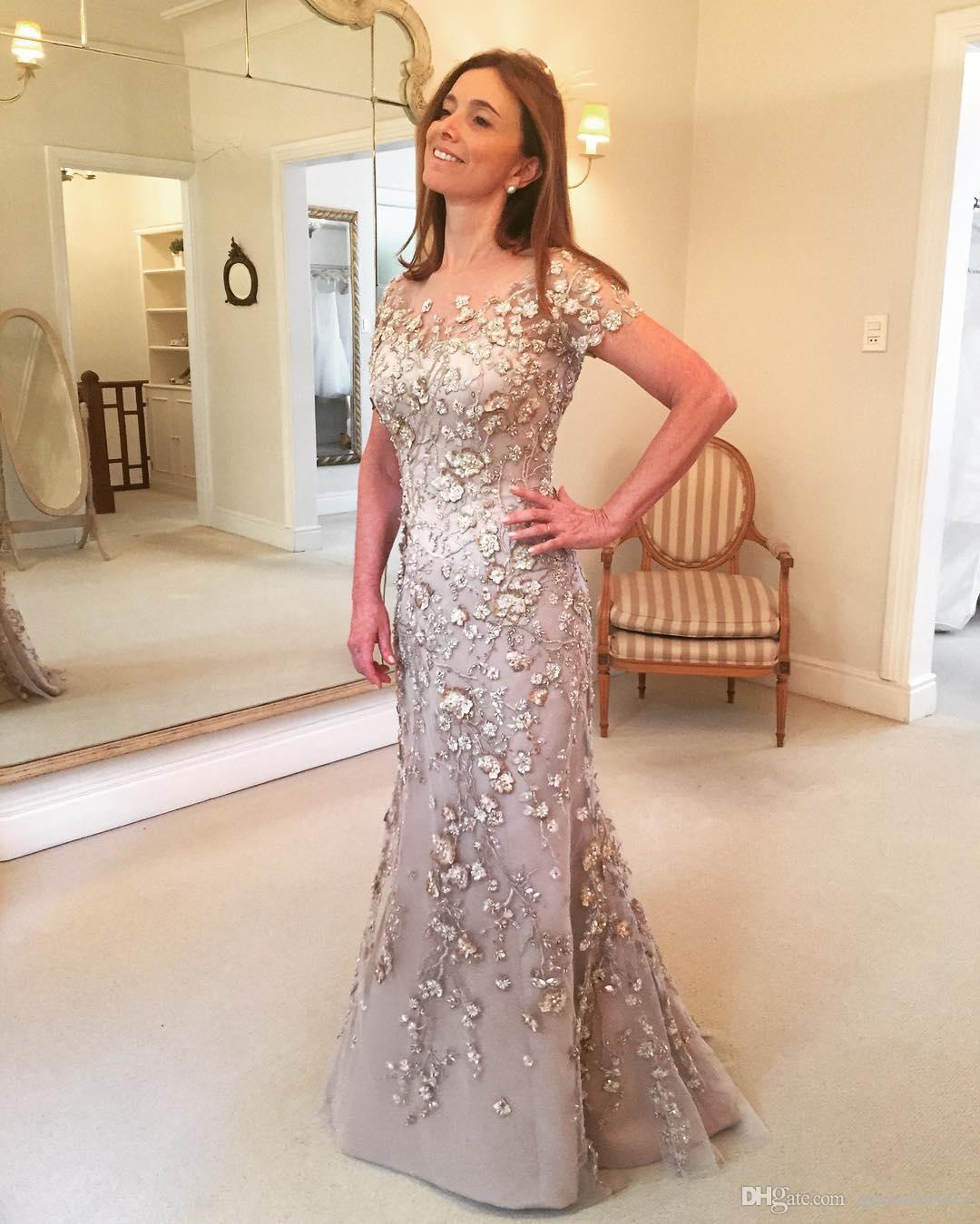 Großhandel Luxury Lace Lange Mutter Der Braut Kleider Mit Kurzarm Damen  Hochzeit Kleid Juwel Bodenlangen Meerjungfrau Abendkleider Kleider Von