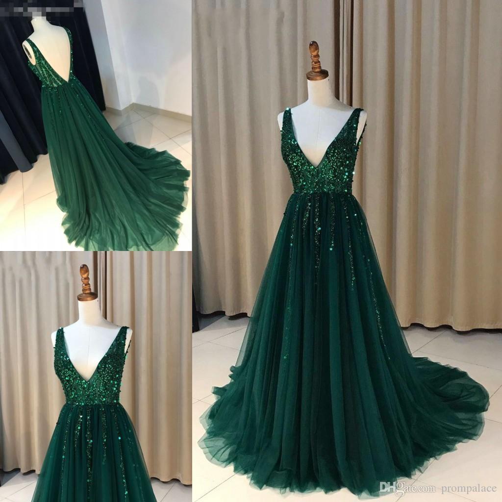 Großhandel Neueste Grüne Abendkleider 2018 Tiefem V Ausschnitt Friesen  Sweep Zug Moderne Lange Rock Günstige Formale Anlässe Prom Formale  Abendkleider