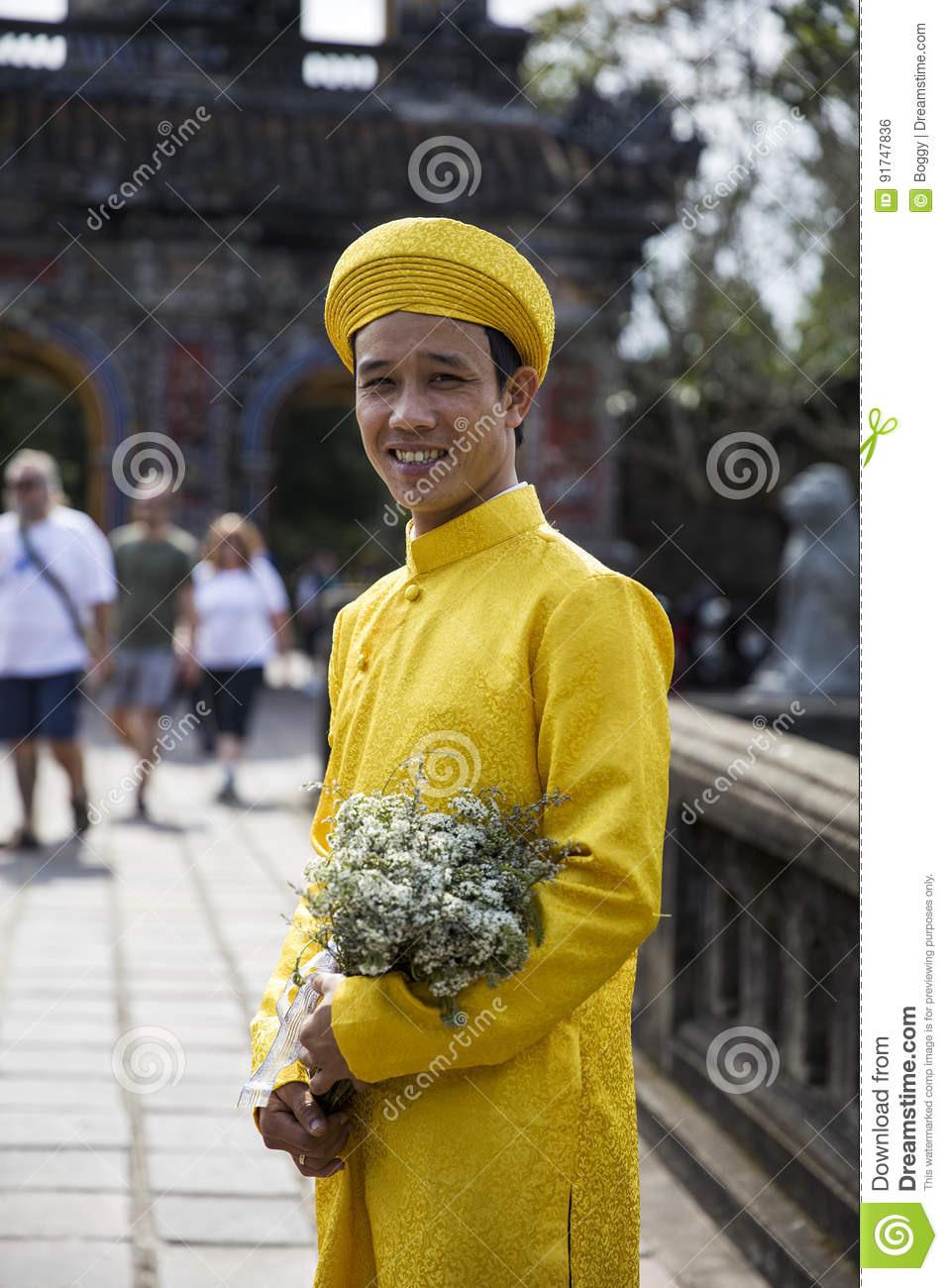 Grrom In Der Traditionellen Kleidung Royal Palace In Der
