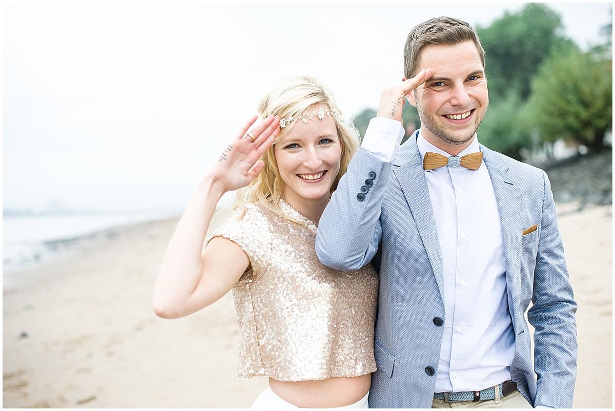 Hochzeit An Der Elbe: Trauung Strandperle Hamburg
