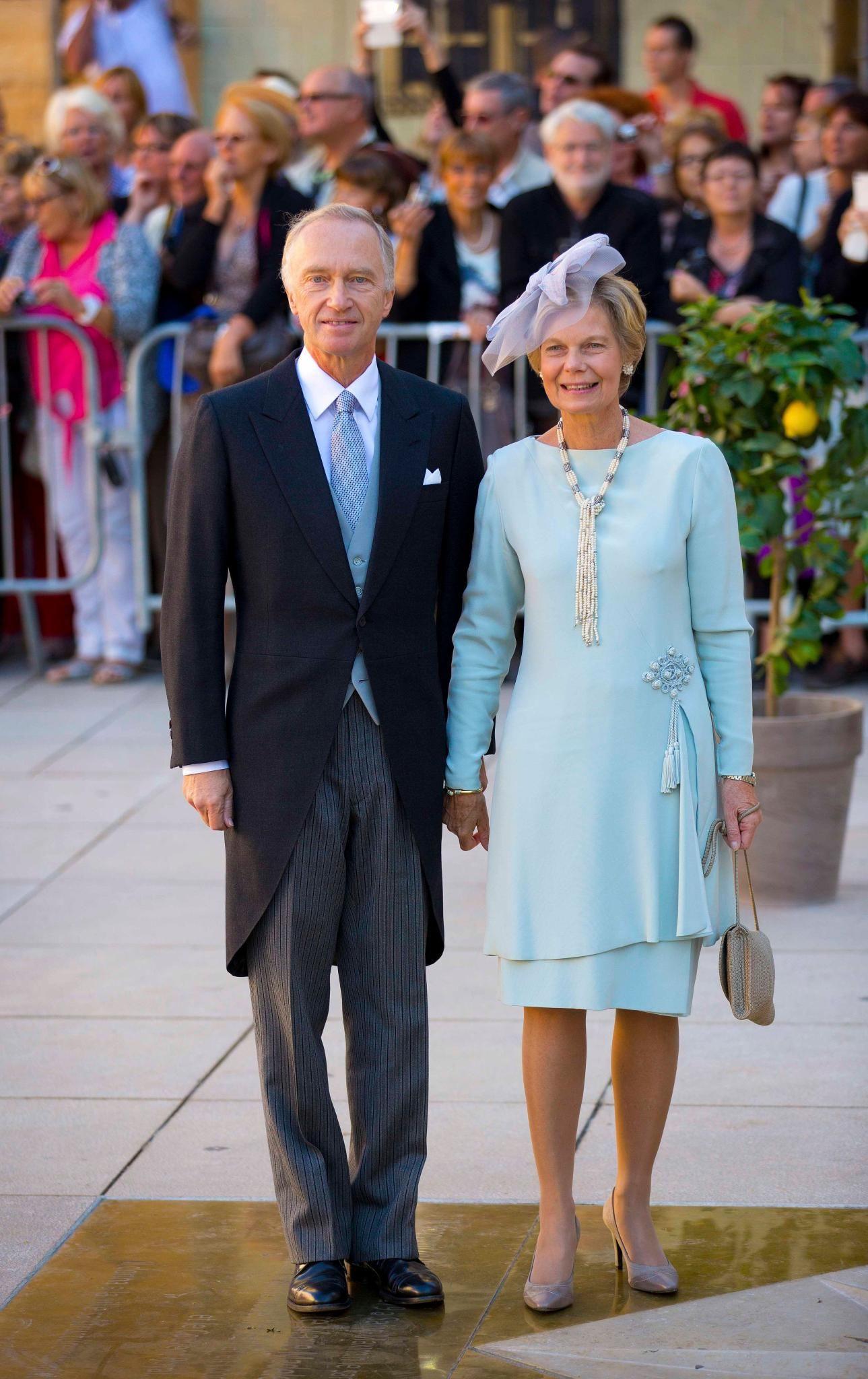 Hochzeit In Luxemburg: Oui, Sie Wollen | Luxemburg, Kleider