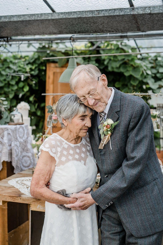 Hochzeit-Stuttgart-   Spitzen Hochzeiten, Hochzeitskleider