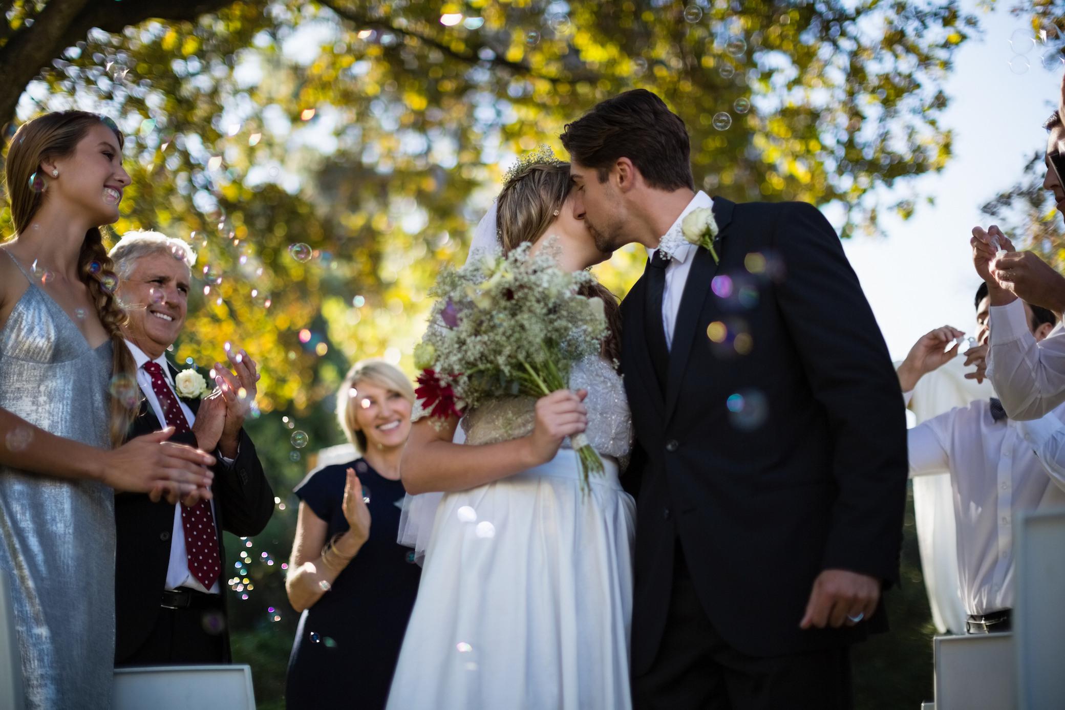 Hochzeits-Dresscode: Darf Ich Als Gast Schwarz Tragen