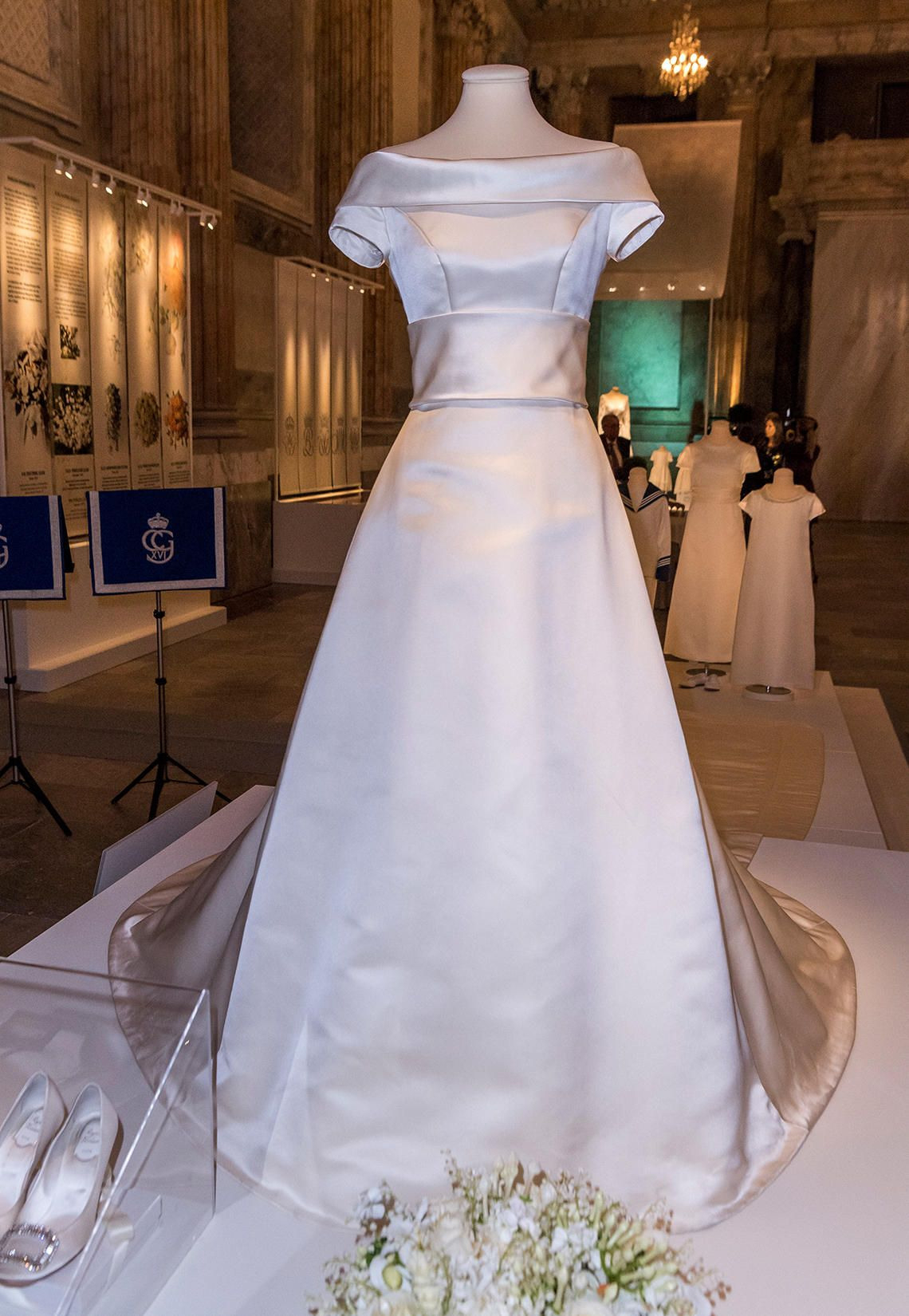 Ihre Hochzeitskleider Werden Ausgestellt: Victoria, Sofia