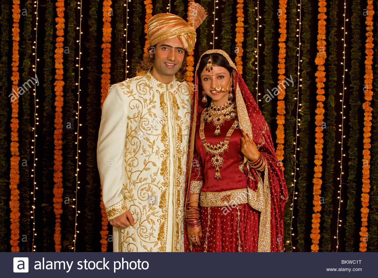 Indische Paare Hochzeit Kleidung Stockfoto, Bild: 29447092